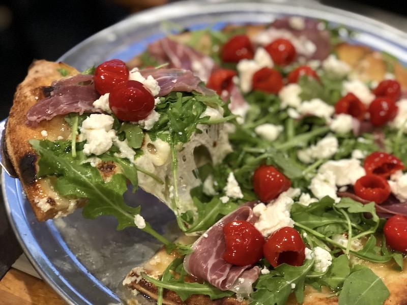 Genna's Pizza