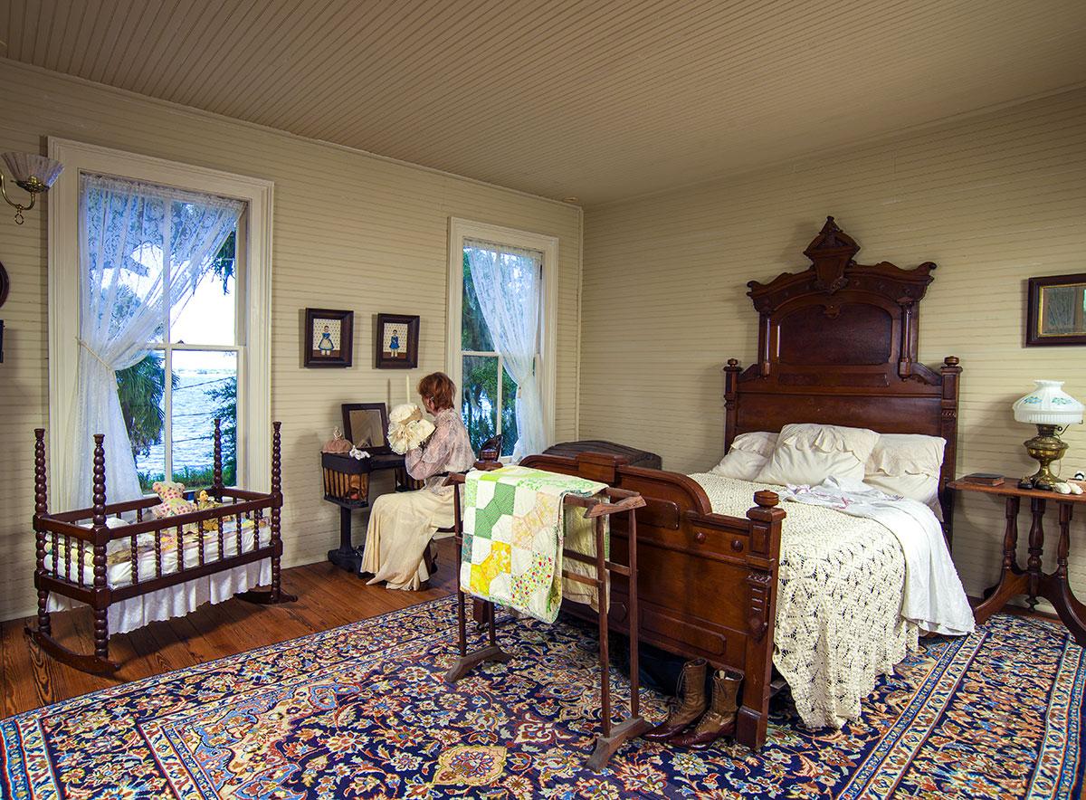 Lawndale's master bedroom